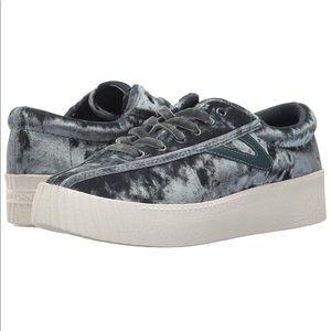 Tretorn Nylite 4Bold Crushed Velvet Sneaker 7M